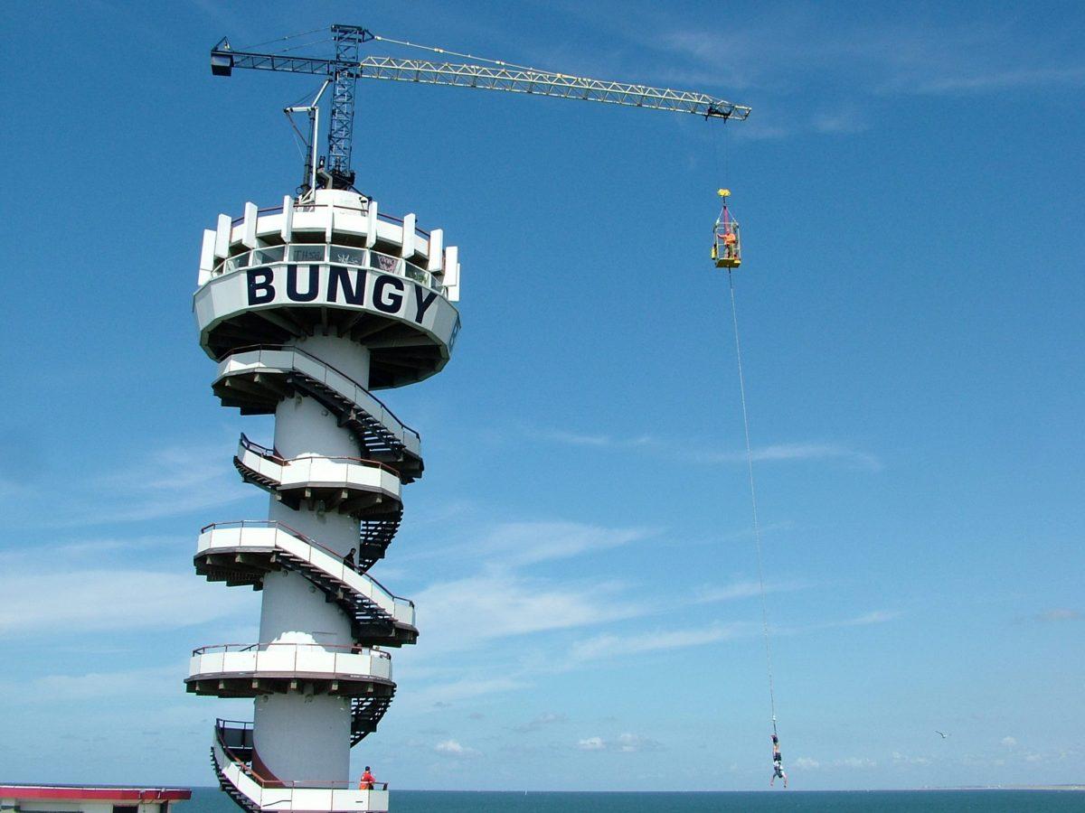 Foto Bungy Jump Holland. De Pier Scheveningen