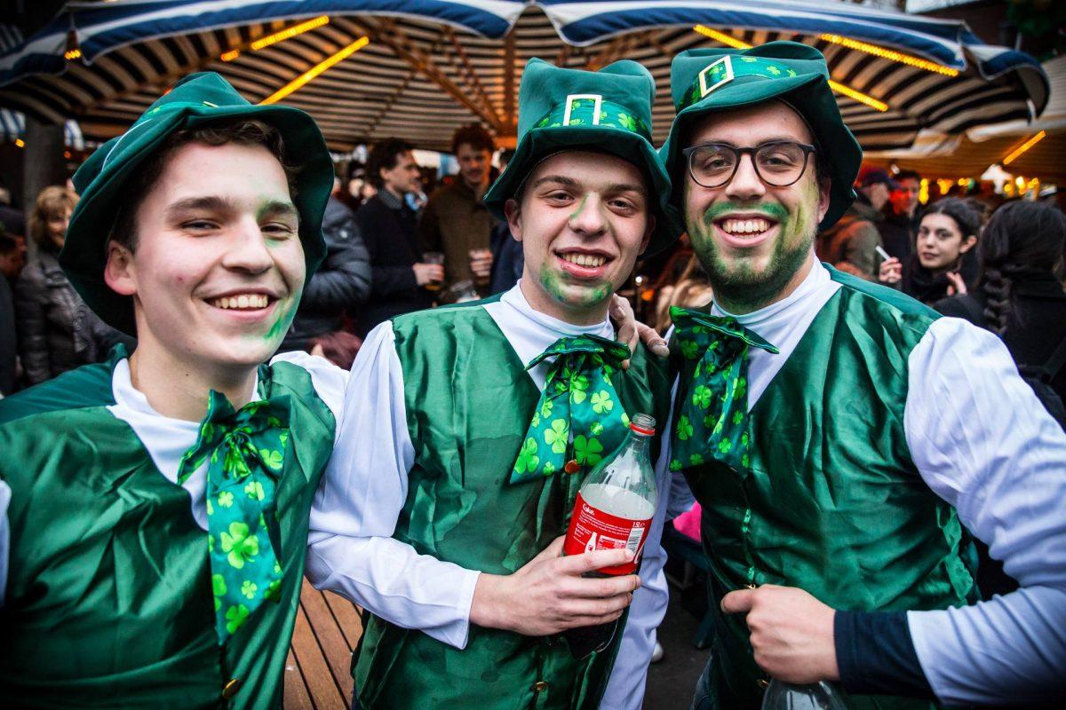 St. Patricks Day Den Haag 2017. Foto Mark Vincent Grote Markt