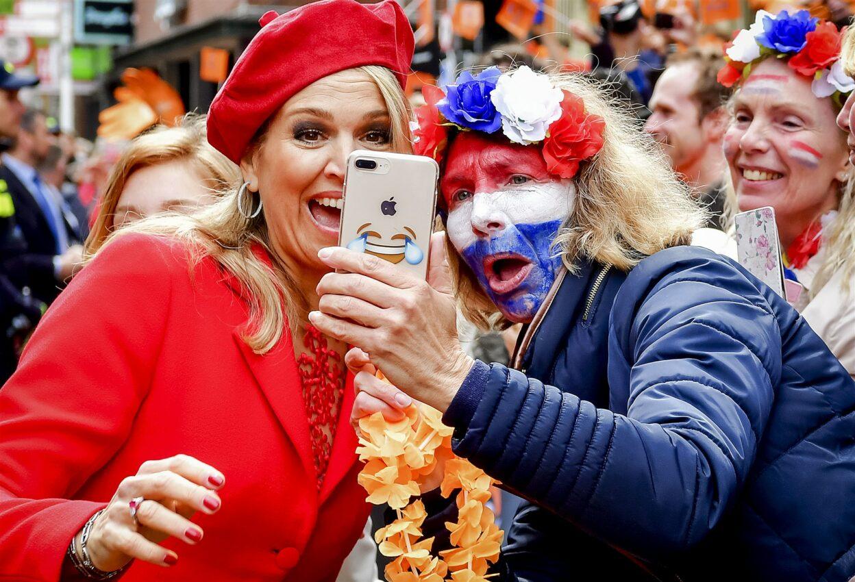 Koningin Maxima tijdens Koningsdag 2018. ANP POOL ROYAL IMAGES ROBIN UTRECHT