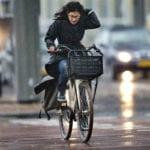 fietsers-regen-storm