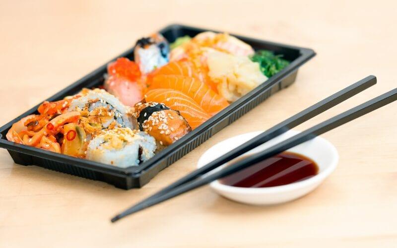 Sushi aanbieding bij De Zomertuin