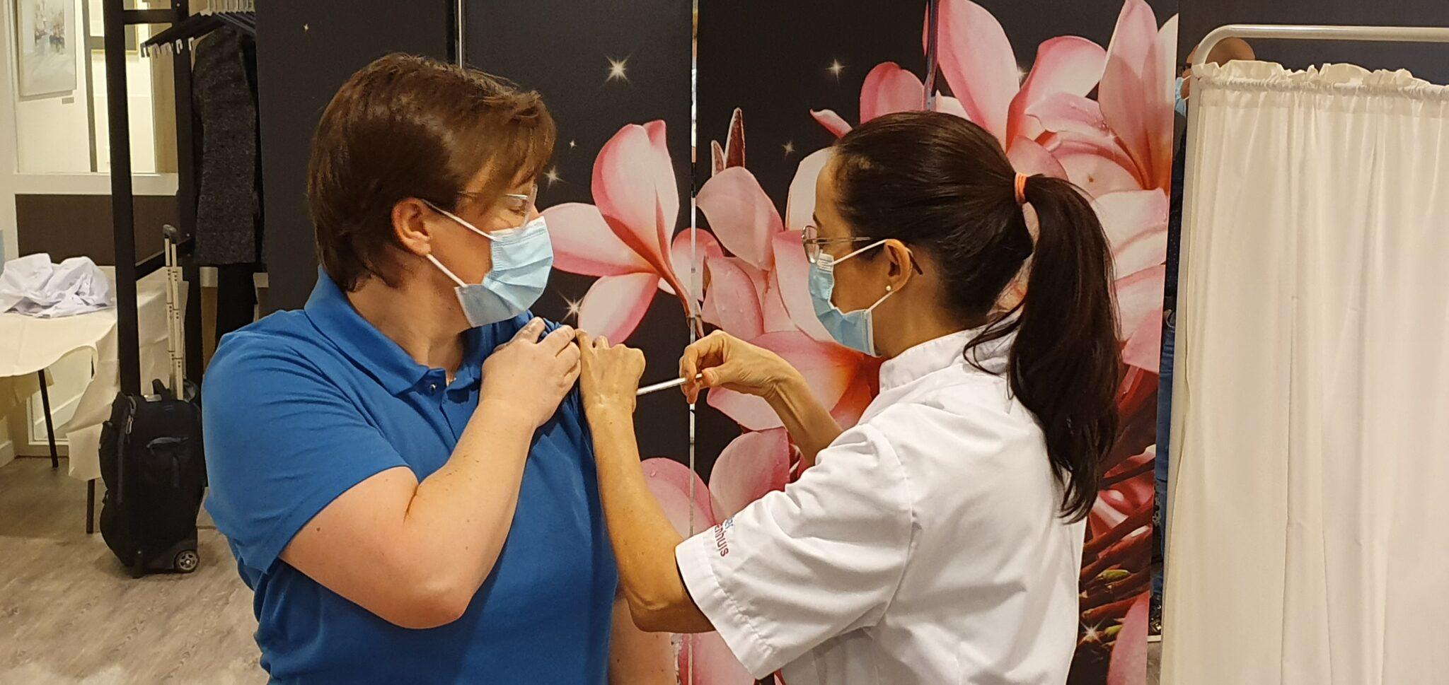 eerste coronavaccinatie Deventer