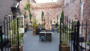 de mooiste binnentuin van deventer