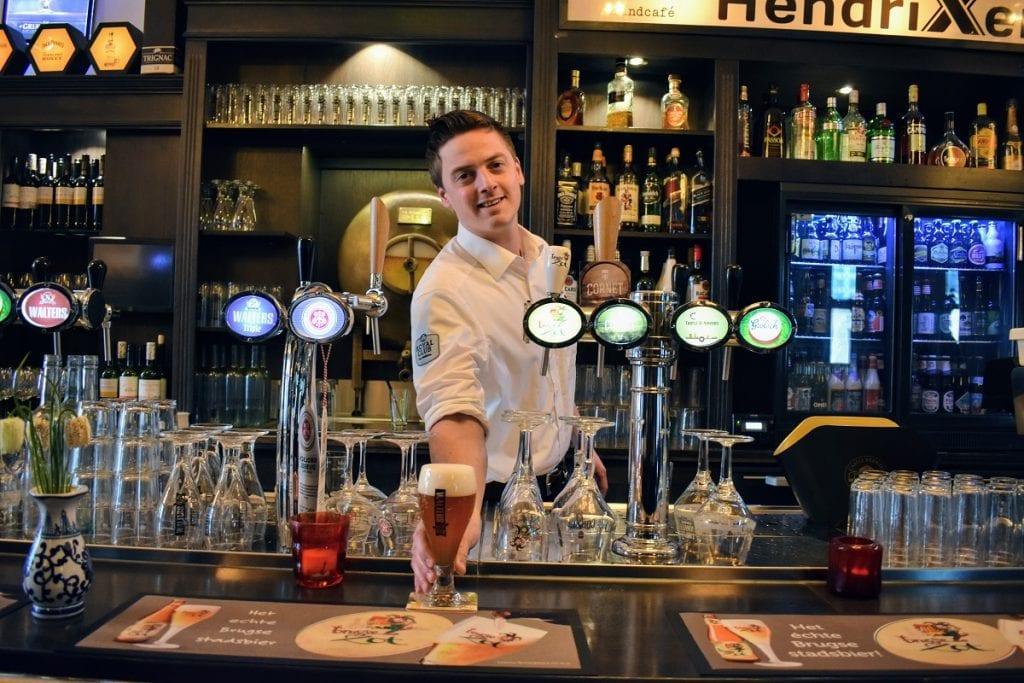 hendrixen-wessel-barman-van-de-week-biertje