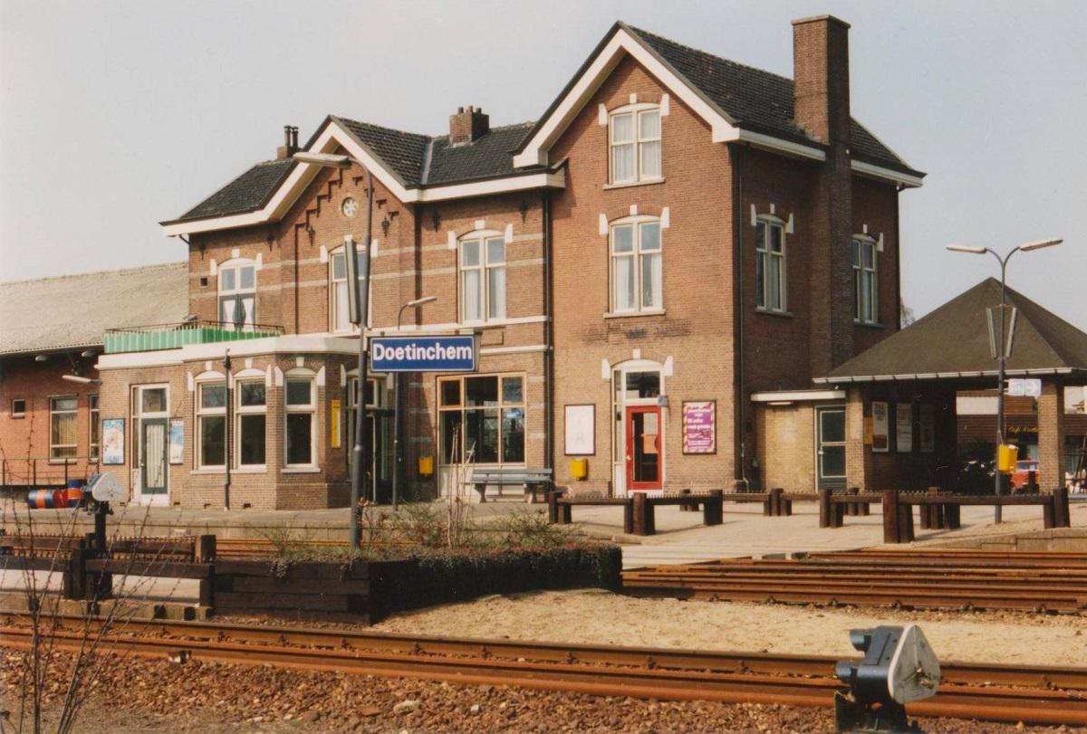 toen-in-station-doetinchem-1
