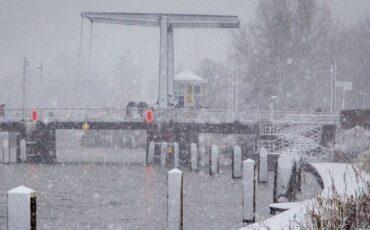 sneeuw-brug-doetinchem-0314-foto