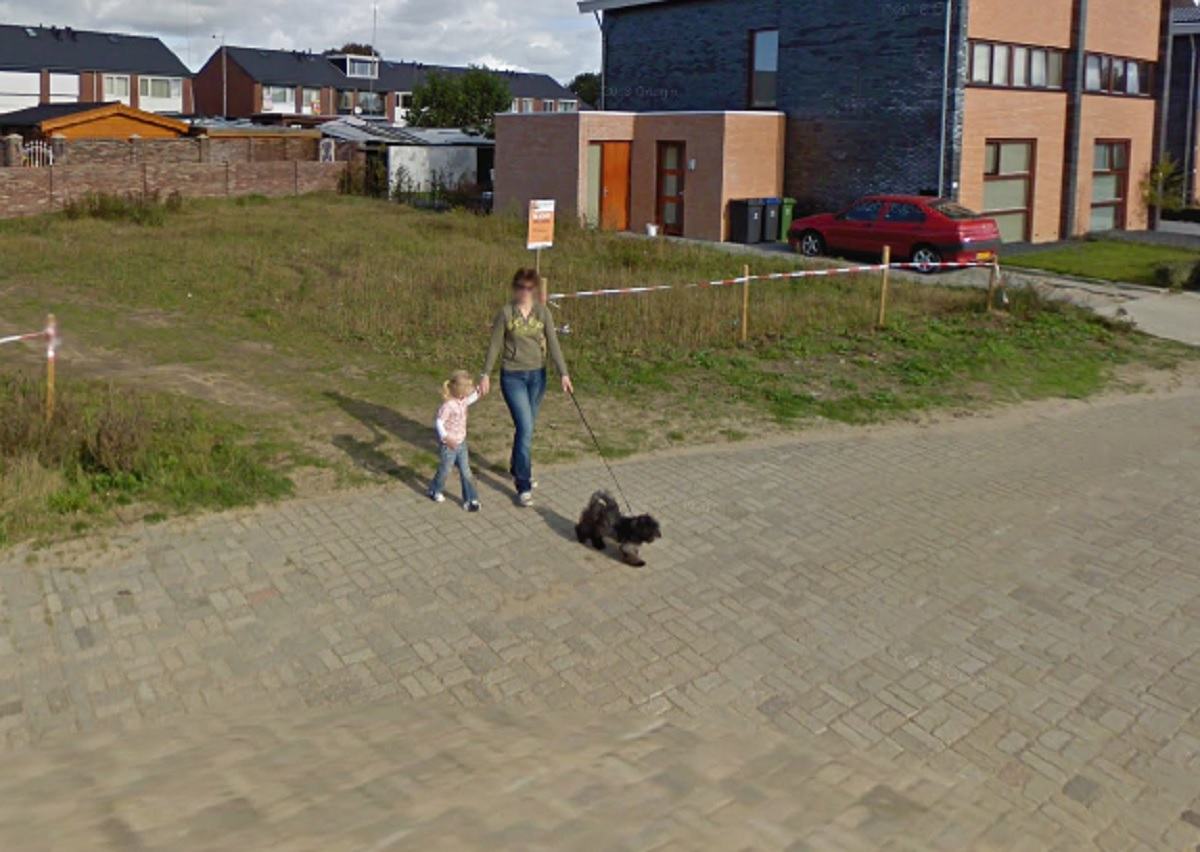 doetinchem-honden-en-baasje-google-streetview-6