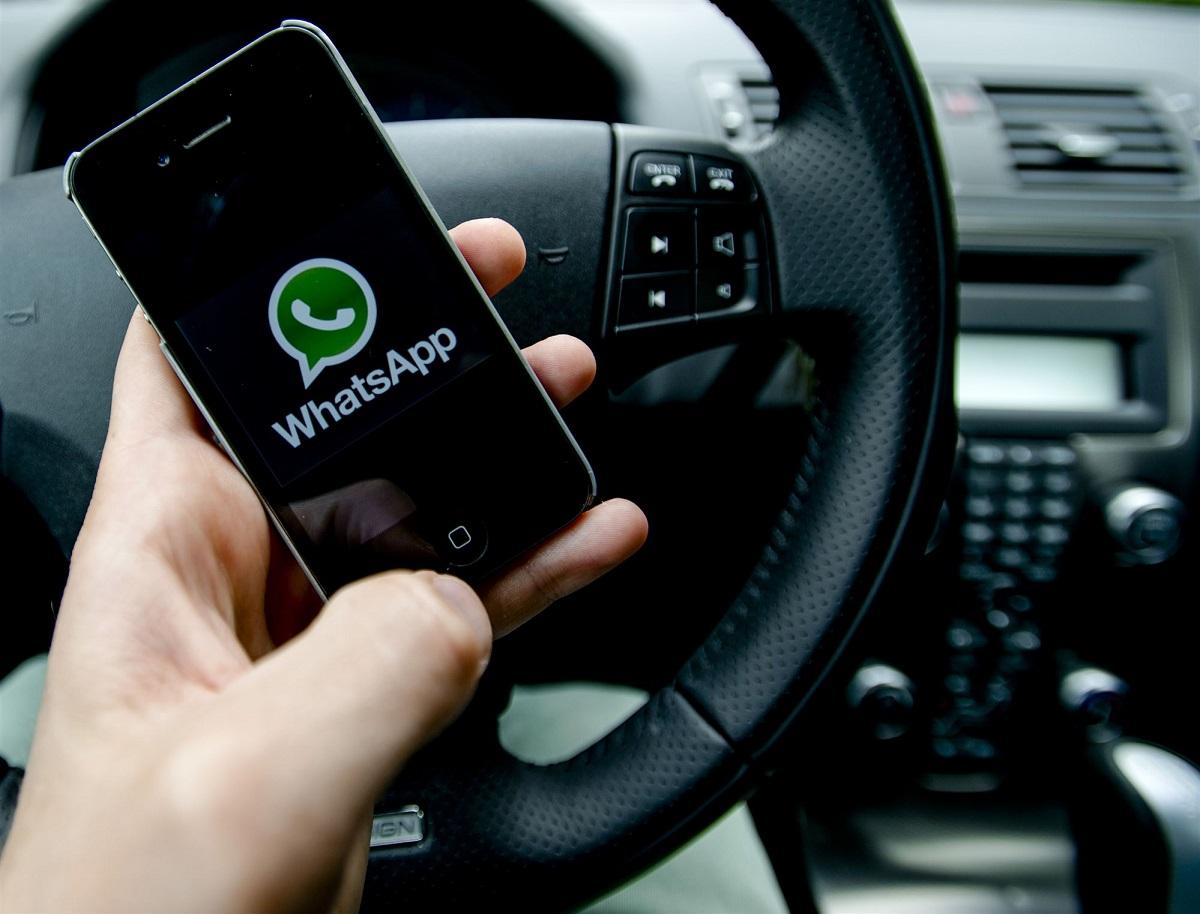 bellen en appen achter het stuur-doetinchem-telefoon-mobiel-appen