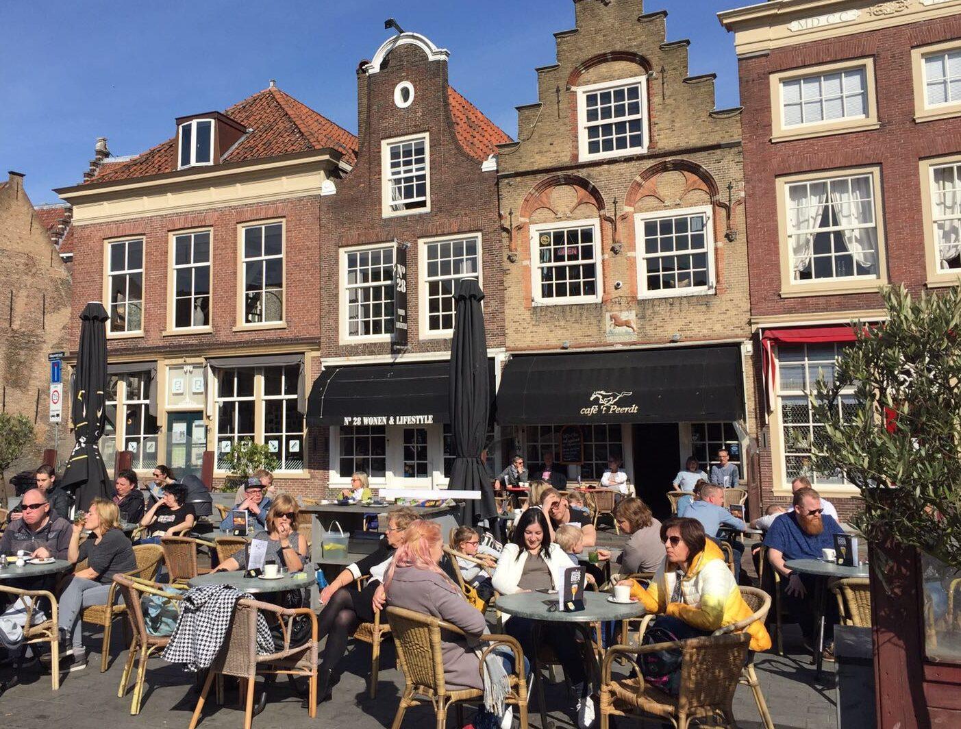 Cafe 't Peerdt Dordrecht Statenplein