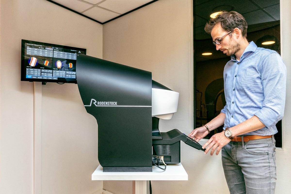 Van Roosmalen Optiek - opticien Dordrecht - meetapparatuur - indebuurt Dordrecht