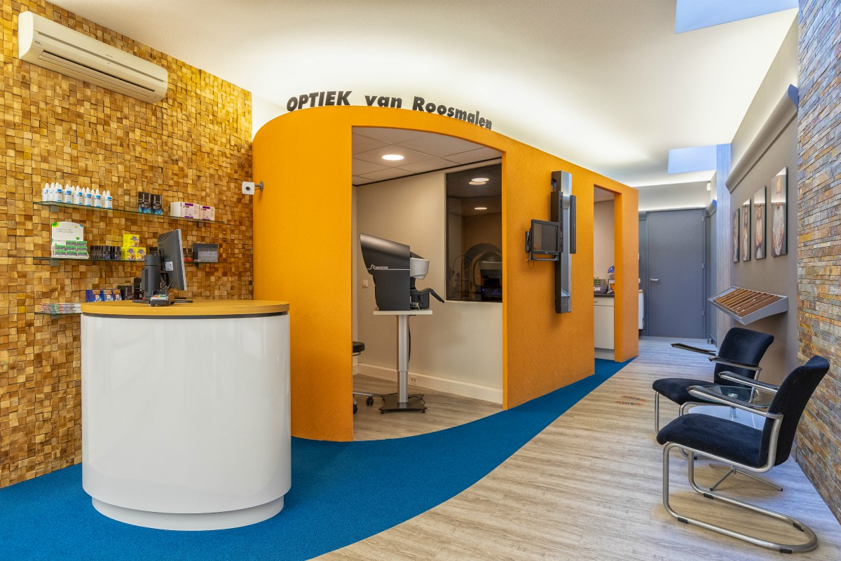 Van Roosmalen Optiek - opticien Dordrecht - balie - indebuurt Dordrecht