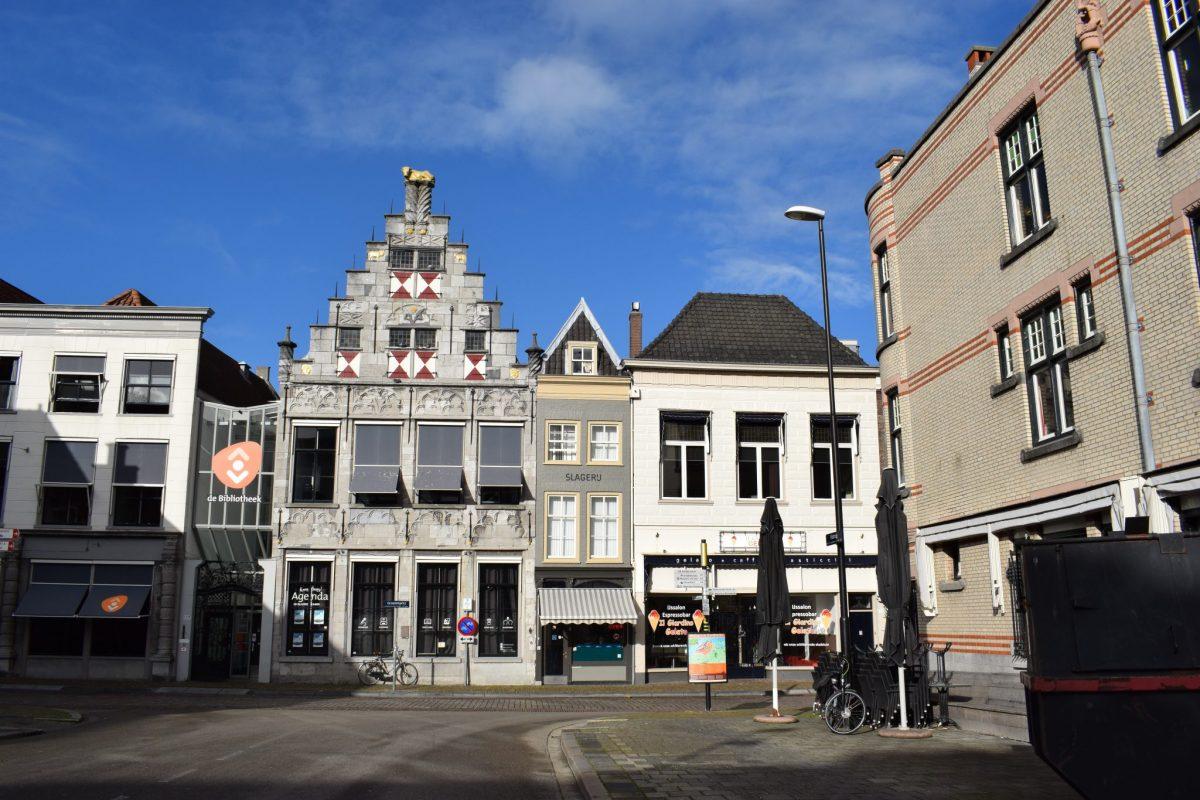 Groenmarkt Dordrecht binnenstad Bibliotheek
