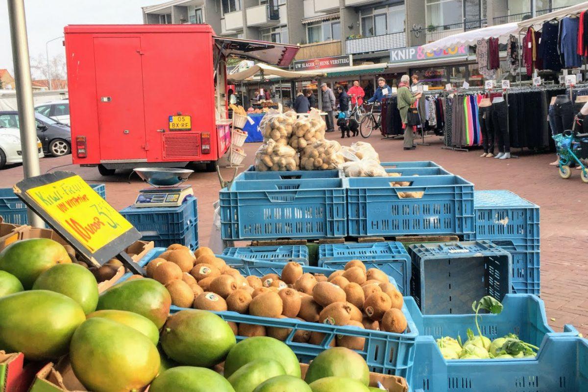 Weekmarkt markt Dubbeldam Damplein - indebuurt Dordrecht