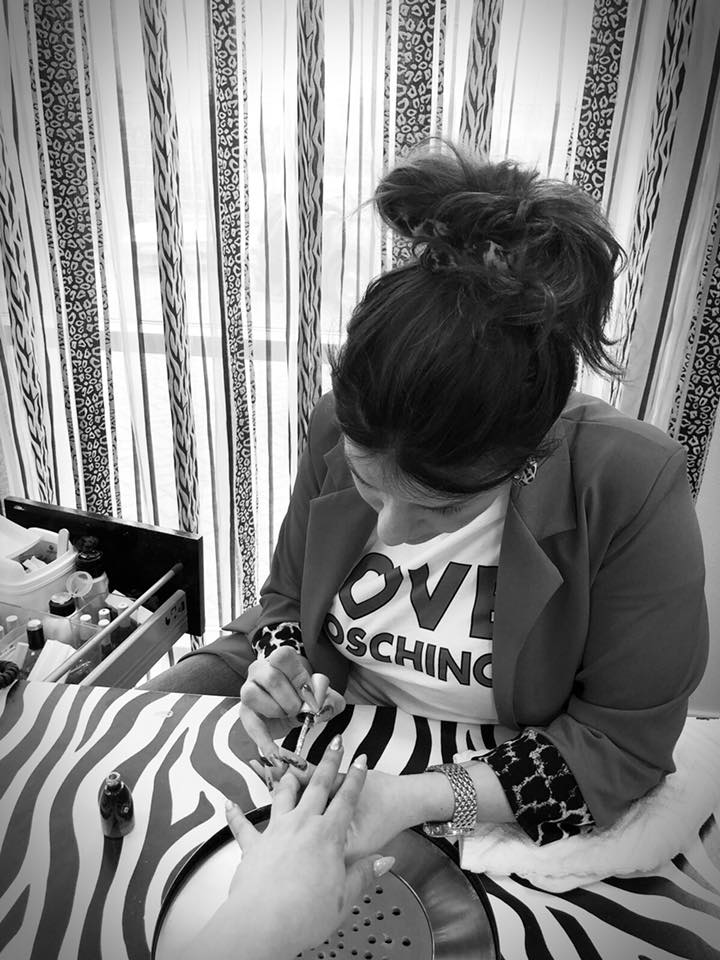 Penney's nagelstudio - manicure pedicure Dordrecht - indebuurt.nl