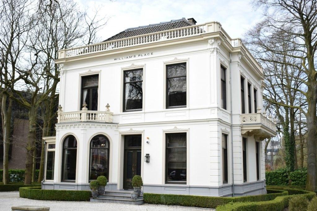 Dordtse mysteries - William's Place aan de Stationsweg Dordrecht - indebuurt.nl