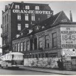 Oranjehotel Johan de Wittstraat jaren 50 - Regionaal Archief Dordrecht