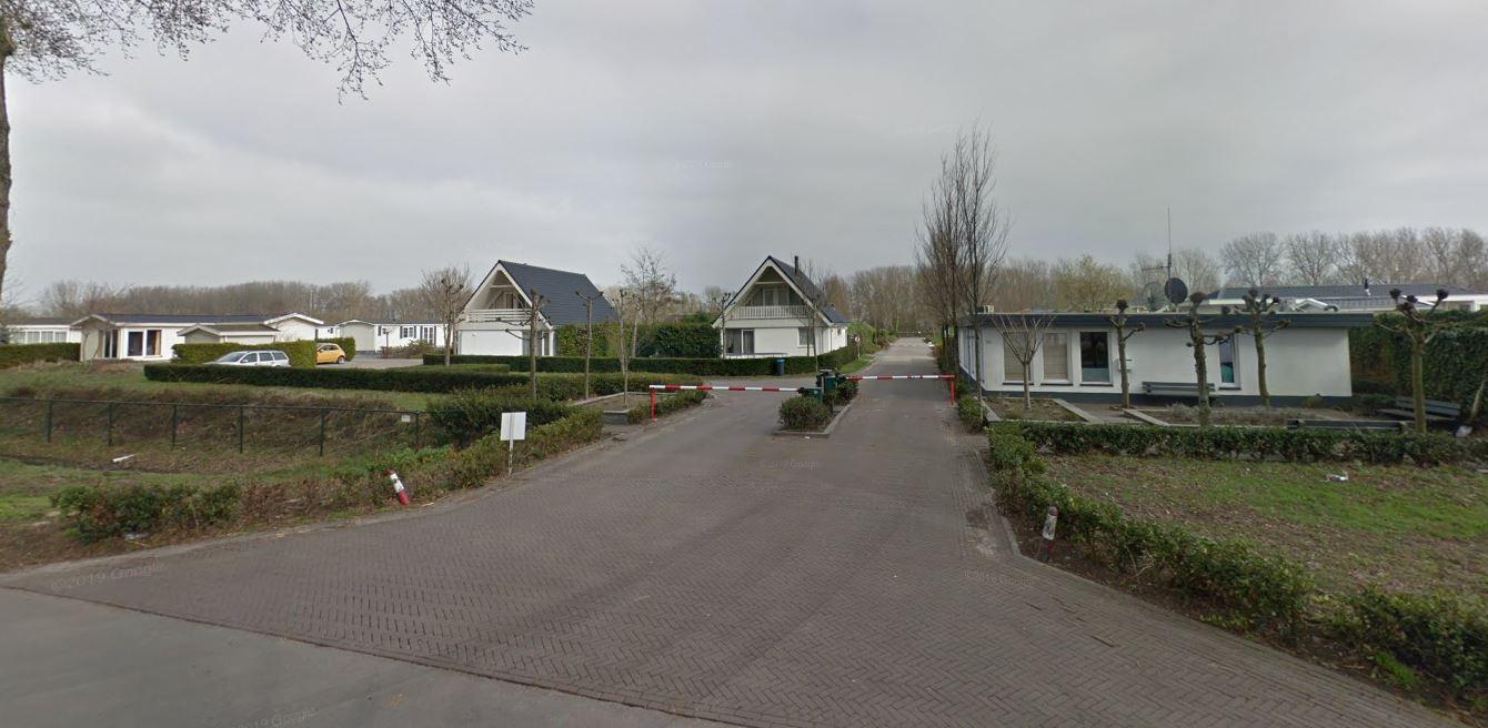 Bruggehof camping Europarcs - indebuurt Dordrecht.JPG