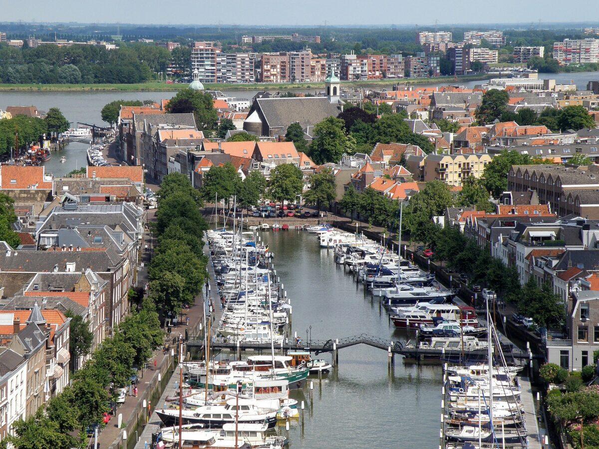 Dordrecht vanuit een drone - indebuurt Dordrecht