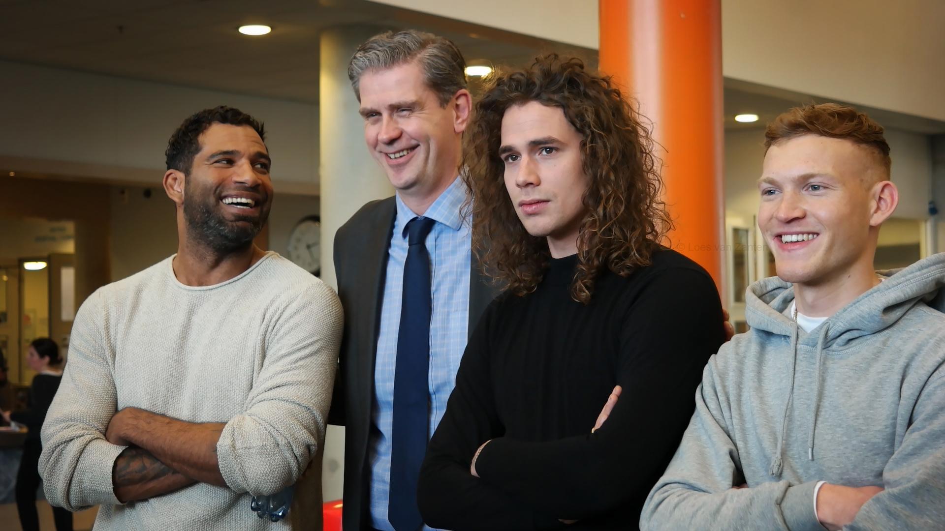 The Passion 2019 Dordrecht - Edwin Jonkers (Jezus), Burgemeester Wouter Kolff, Lucas Hamming (Judas) en Paul Sinha (Petrus) - indebuurt Dordrecht