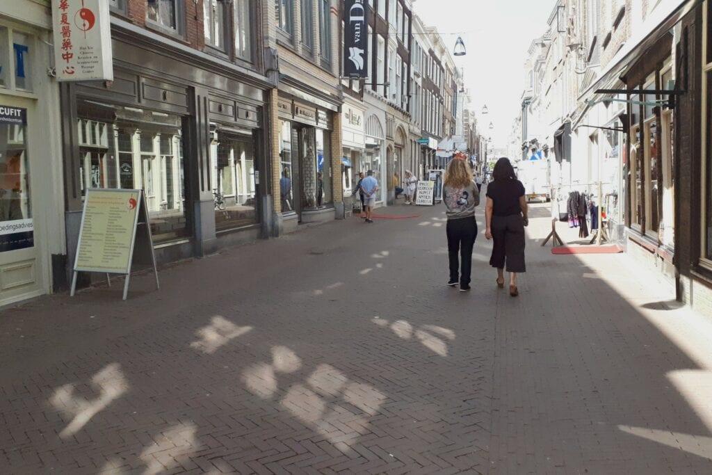 Winkelen op afspraak personal shopping shoppen winkelstraat Voorstraat West - indebuurt Dordrecht