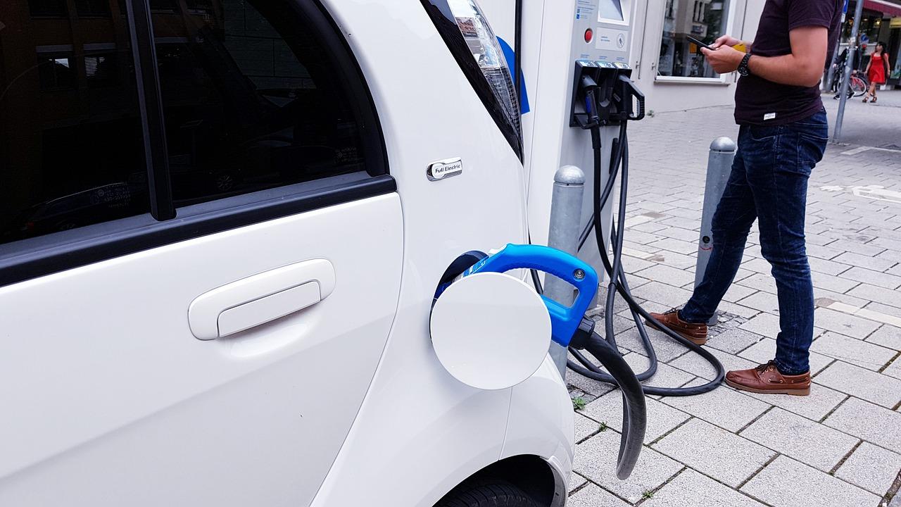 Elektrische auto duurzaam mobiliteitsevent ANWB Gemeente - indebuurt Dordrecht