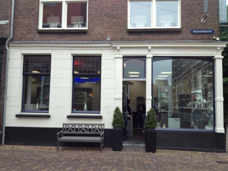 Kapsalon Knipoog Kapper - indebuurt Dordrecht