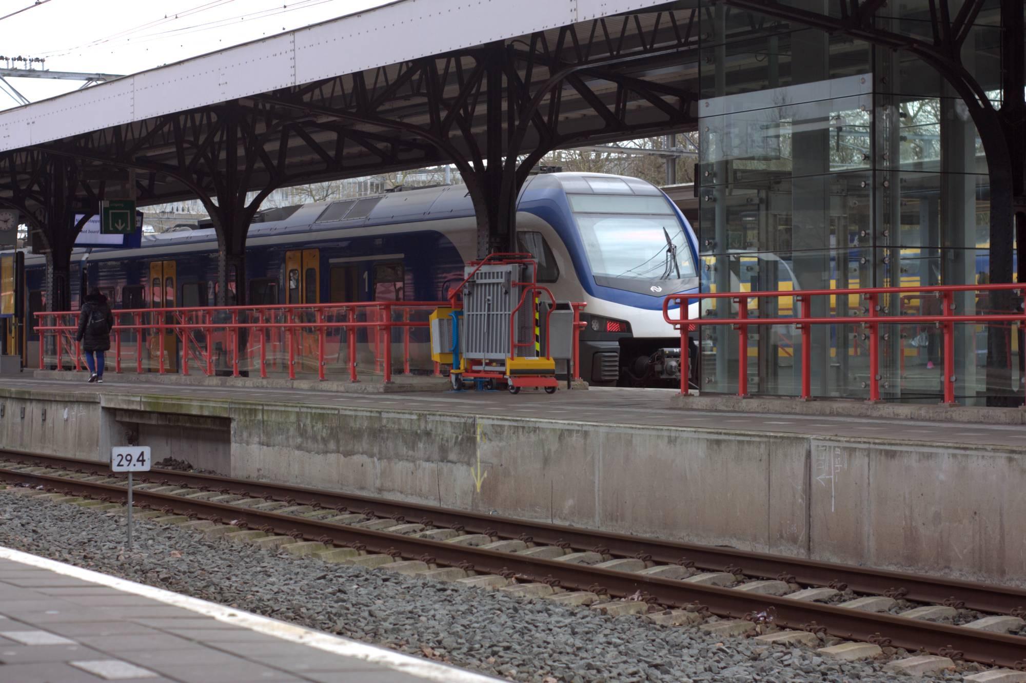 Trein Dordrecht CS Station NS sprinter - indebuurt Dordrecht