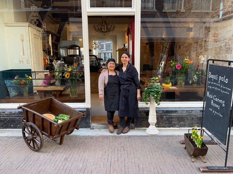 Chia en Kim Lunchroom Helena Voorstraat smalste huis