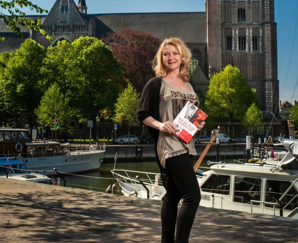 Auteur Astrid Koole - Wat zie jij er lekker uit - collageenkookboek