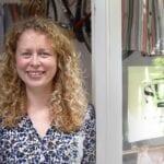Sofie Kaptein kinderkleding winkel Suus Handmade - Hof duurzaam tweedehands gerecycled upcycled naaimachine