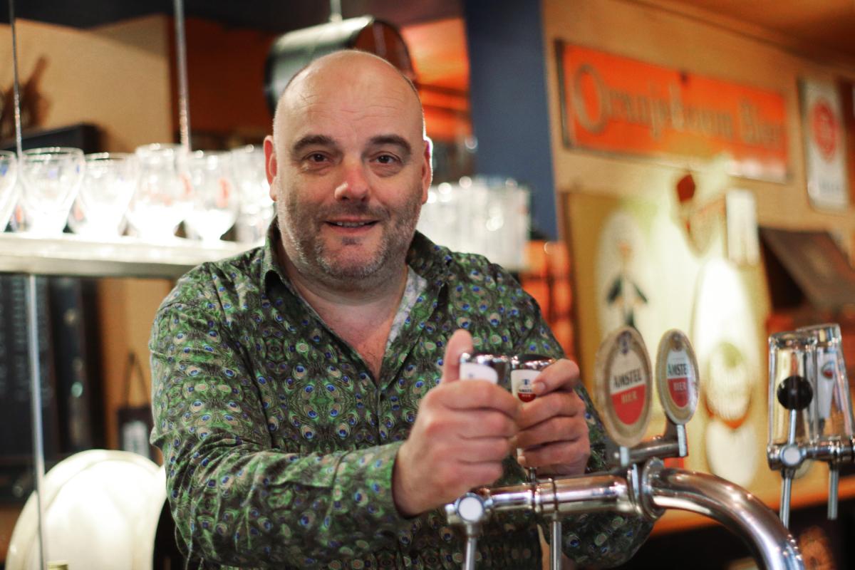 Vincent Bek - biercafé De Lachende Monnik Café Arina Dordrecht