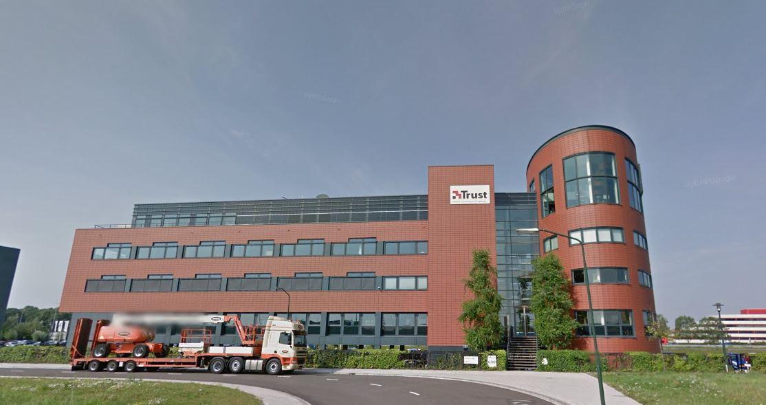 Trust International Dordrecht.JPG