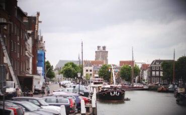 Kuipershaven Dordrecht vanaf Damiatebrug