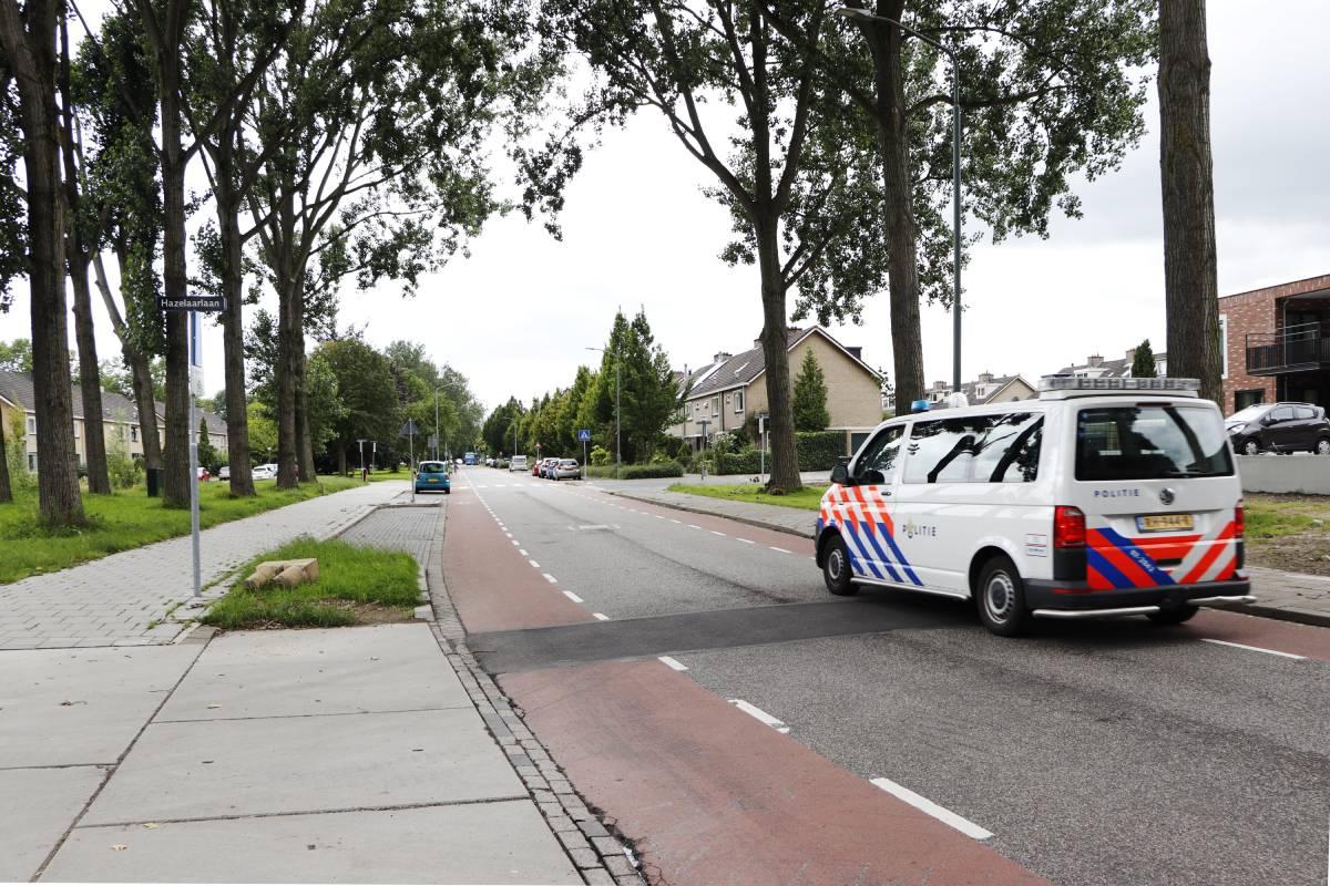 Politie politie-auto politiebusje Dordrecht Dubbeldam Hazelaarlaan