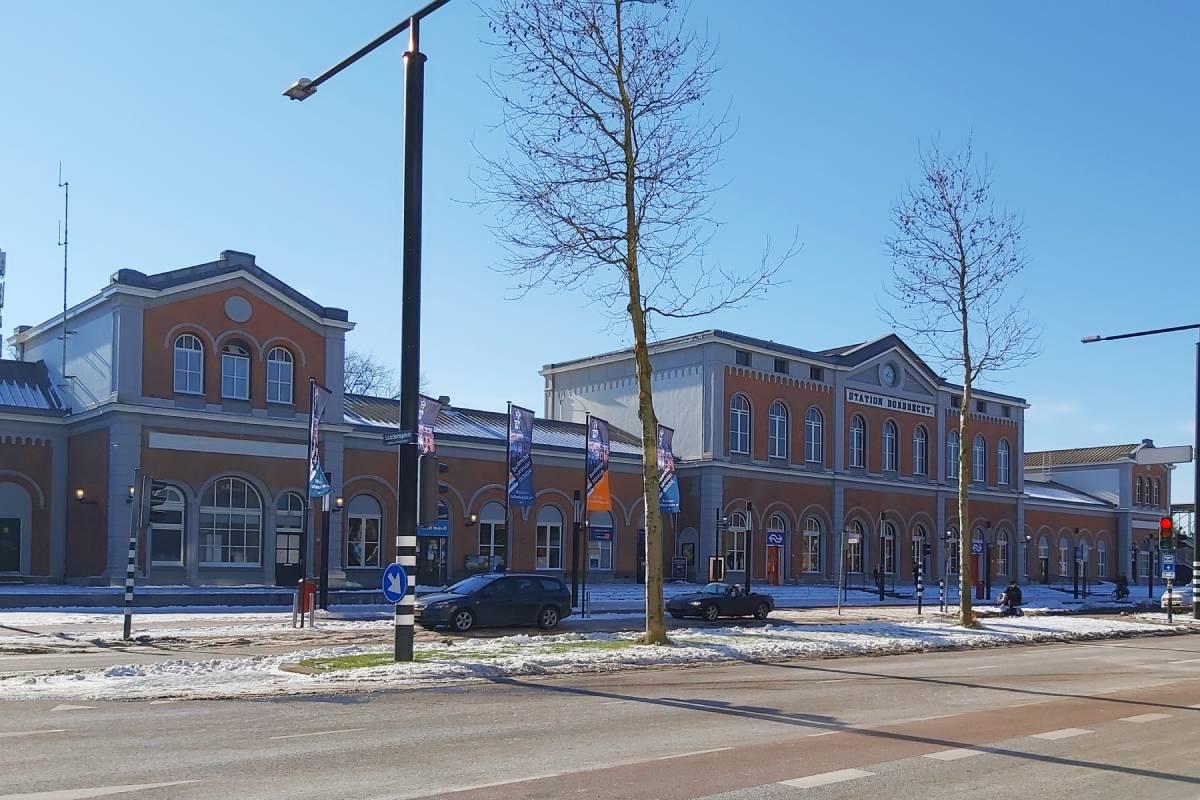 Station Dordrecht sneeuw winter Burgemeester de Raadtsingel