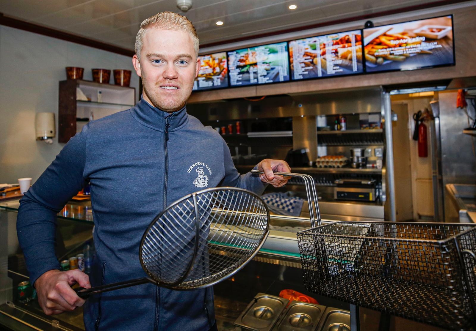 Mitchell Fok Vermoen's Taria snackbar Wielwijk - Thymen Stolk Dordt Centraal