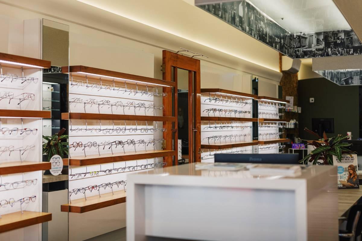 Van Roosmalen Optiek opticien Dordrecht Vriesestraat brillen monturen