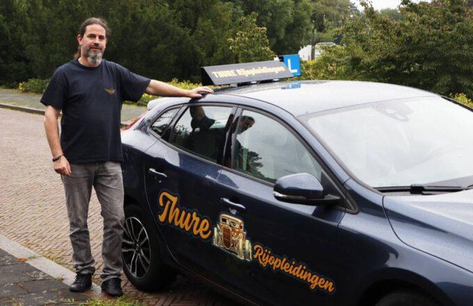 Henk van den Berg autorijschool Thure Rijopleidingen Dordrecht autorijles rijbewijs