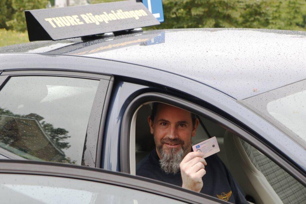 Henk van den Berg - autorijschool Thure Rijopleidingen Dordrecht autorijles rijbewijs