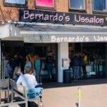 Drukte bij IJssalon Bernardo's