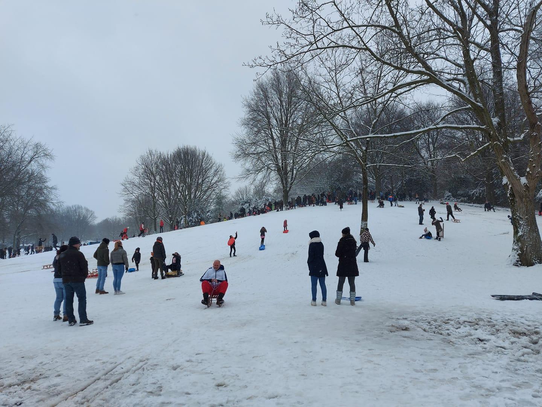 sneeuw henri dunantpark