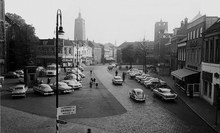 auto's op de oude markt serc.nl enschede