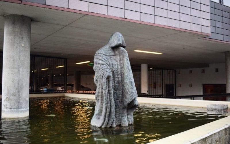 Beeld monnik Brandweerstraat Enschede