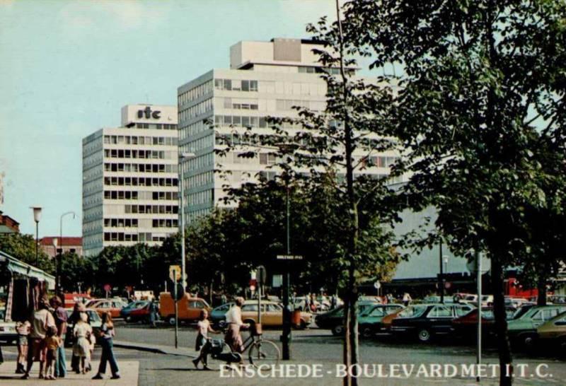Boulevard 1945