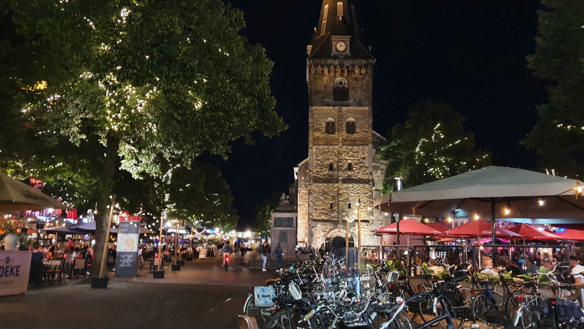 oude markt avond 3