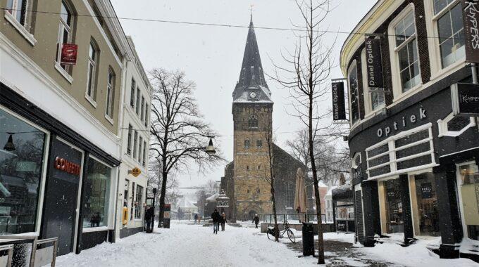 centrum_kerk_sneeuw