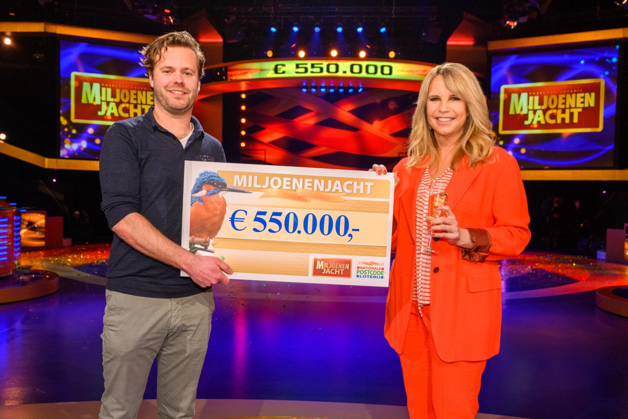 Maarten-uit-Enschede-wint-550.000-euro-bij-tv-show-Miljoenenjacht