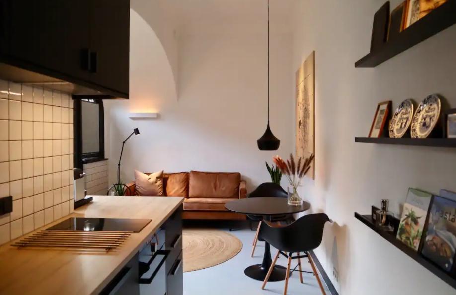 airbnb west-indieschool