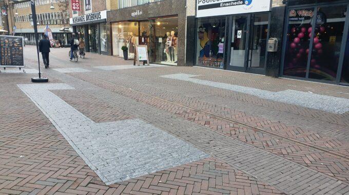 grijze stenen marktstraat_poort