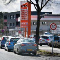 tanken-in-duitsland-grens-over-Almelo